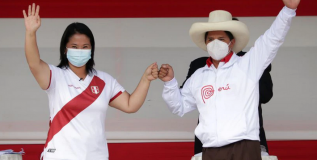 CIUDADANIA ANTE LA POLITICA Y EL DESARROLLO EN PERU