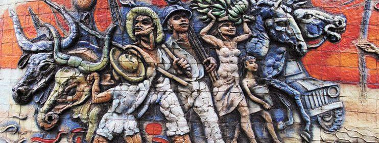 EXTRACTIVISMOS Y TEORIA SOCIAL EN AMERICA LATINA