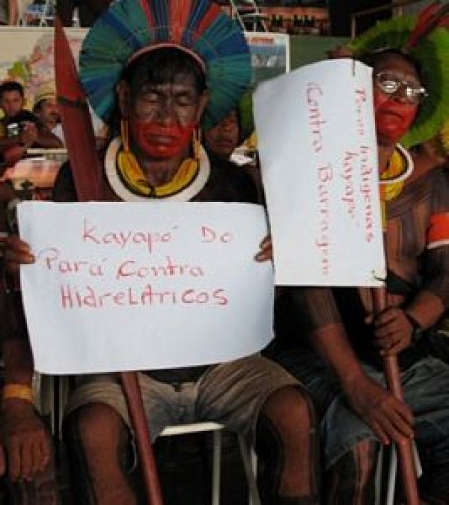 DERECHOS INDIGENAS VIOLADOS:  OTRA CARA DE LAS EXTRAHECCIONES